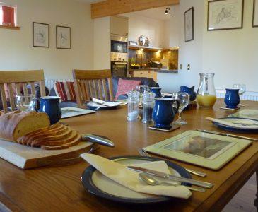 Tulach Ard, Breakfast Table
